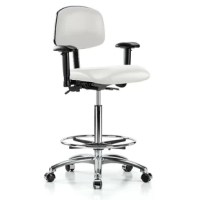 The ergonomically contoured waterfall seat was designed to improve circulation and comfort with the