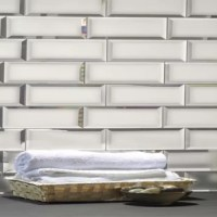 Enlarge your space and make it shine with the Subway Tile collection. These tiles are made with real mirrors, diamond-grade polished, to be a jewelry masterpiece in your room. Perfect application for bathroom and kitchen backsplashes.