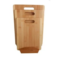 With 3 different sizes (Small, Medium and Large) this 3 Piece Bamboo Cutting Board Set with Stand is ideal for chopping different types and sizes of food. This cutting board set features a built-in handle, and a stand for storage. This set is made of 100% premium and natural bamboo, which is a sustainable, durable, and eco-friendly material.