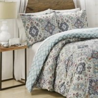 Combine casual style with classic elegance with this Hyperion Cotton 3 Piece Reversible Comforter Set. This updated traditional comforter is inspired by the contemporary world traveler and features a Persian rug-inspired repeat with multi-scaled medallions, creating the perfect amount of style and sophistication. The reverse features allover unique medallions. Shams are random cut, the match in a pair. Easy care.