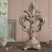 Accent your console or mantel display with this essential design, the perfect piece for any tabletop ensemble.
