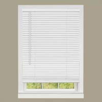 This Cordless Deluxe Sundown Room Darkening Venetian Blind is a 1-inch room darkening vinyl mini blind which features a fashionable head-rail with a round sleek shape that helps create a modern high-styled appearance. This blind offers outstanding value with its durable construction which resists warping, fading and sagging. The mounting brackets are designed for inside, outside or ceiling mount. To operate - simply lift or lower bottom rail to raise or lower blind.