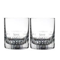 This Ogham Love 12 oz. Crystal Whiskey Glass is ideal for enjoying your favorite vintage cocktail. Perfect for gifting.