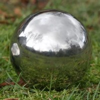 Add a polished eye-catching stainless steel gazing ball to your home and create a magnificent focal point in your garden. Ideal for outdoor decoration, this versatile gazing ball can be placed on the ground, on stands between flowers, in rock gardens or between tall grasses. Amazing in the pool. This stainless steel gazing ball floats and makes for dazzling eye candy as they bobble in the pool, pond or Jacuzzi. Great for gifting. Ideal for gardening enthusiasts, or as housewarming presents...