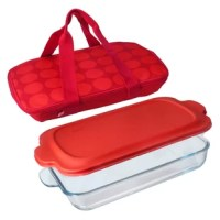 This baker dish is a must-have for busy people who love to entertain and share home-cooked meals. The case features two durable handles for easy transport and will help keep hot foods hot, and cool foods cool. This product is great for preparing savory or sweet dishes and transporting them to work, school or a festive social gathering.