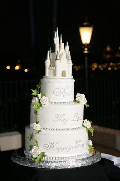 Wedding Trends  Untraditional Cake Toppers   Disney Parks Blog Untraditional Cake Toppers