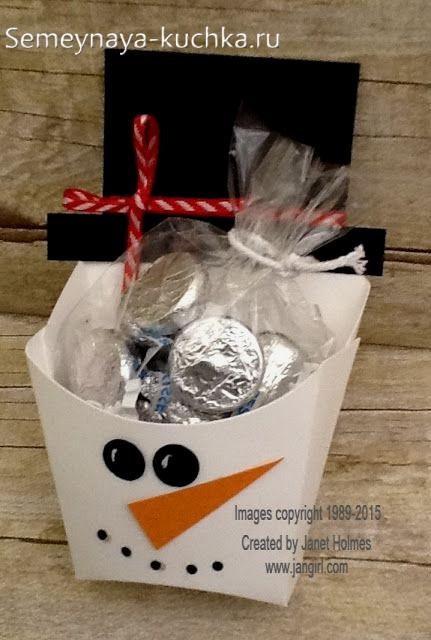 снеговик из бумаги простая поделка коробочка