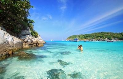 Raya Island Coral Island Day tour – Semplice Phuket Tours