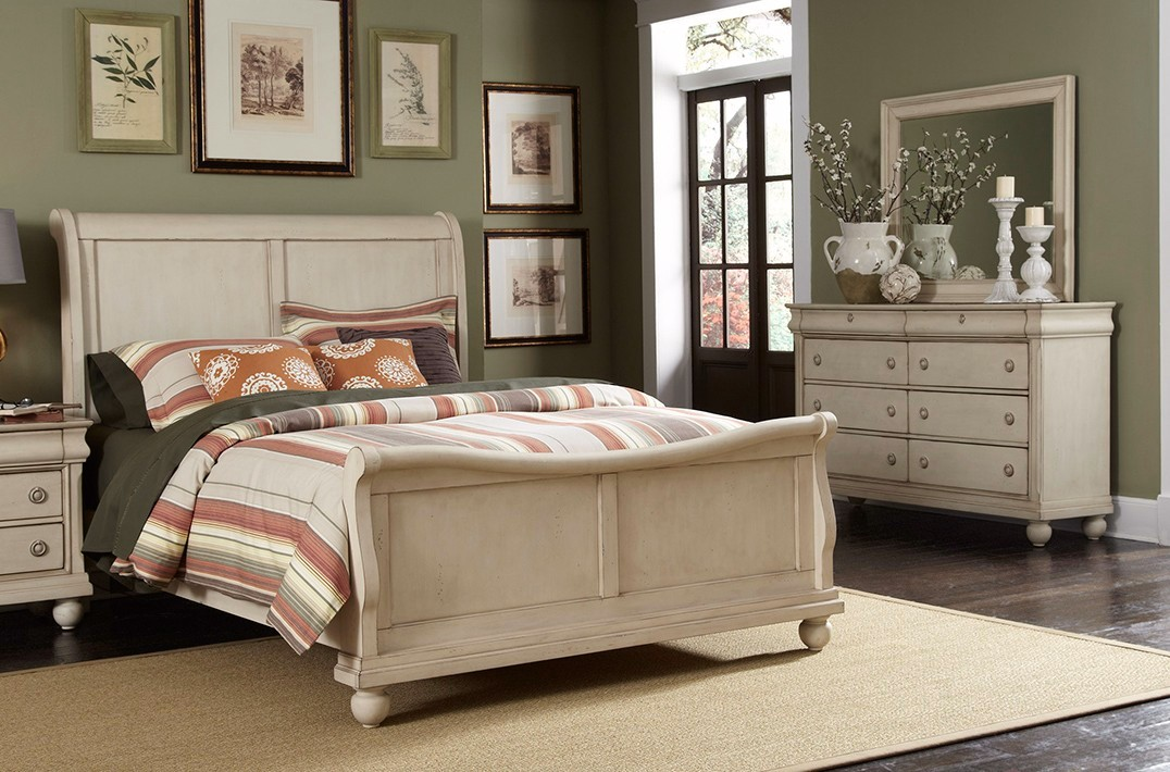 Sleigh Bed Furniture Set White Sleigh Bedroom Furniture