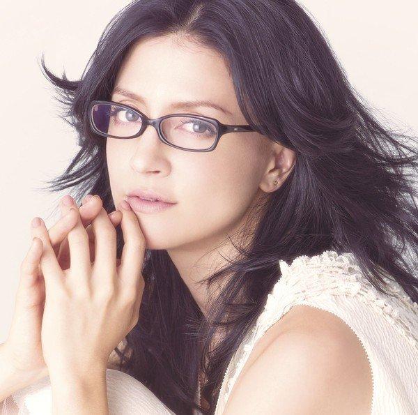 Angela Aki - TAPESTRY OF SONGS: THE BEST OF ANGELA AKI