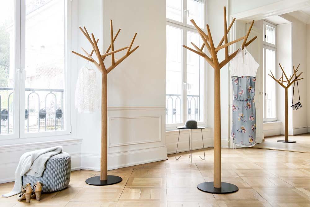напольная вешалка для одежды дерево