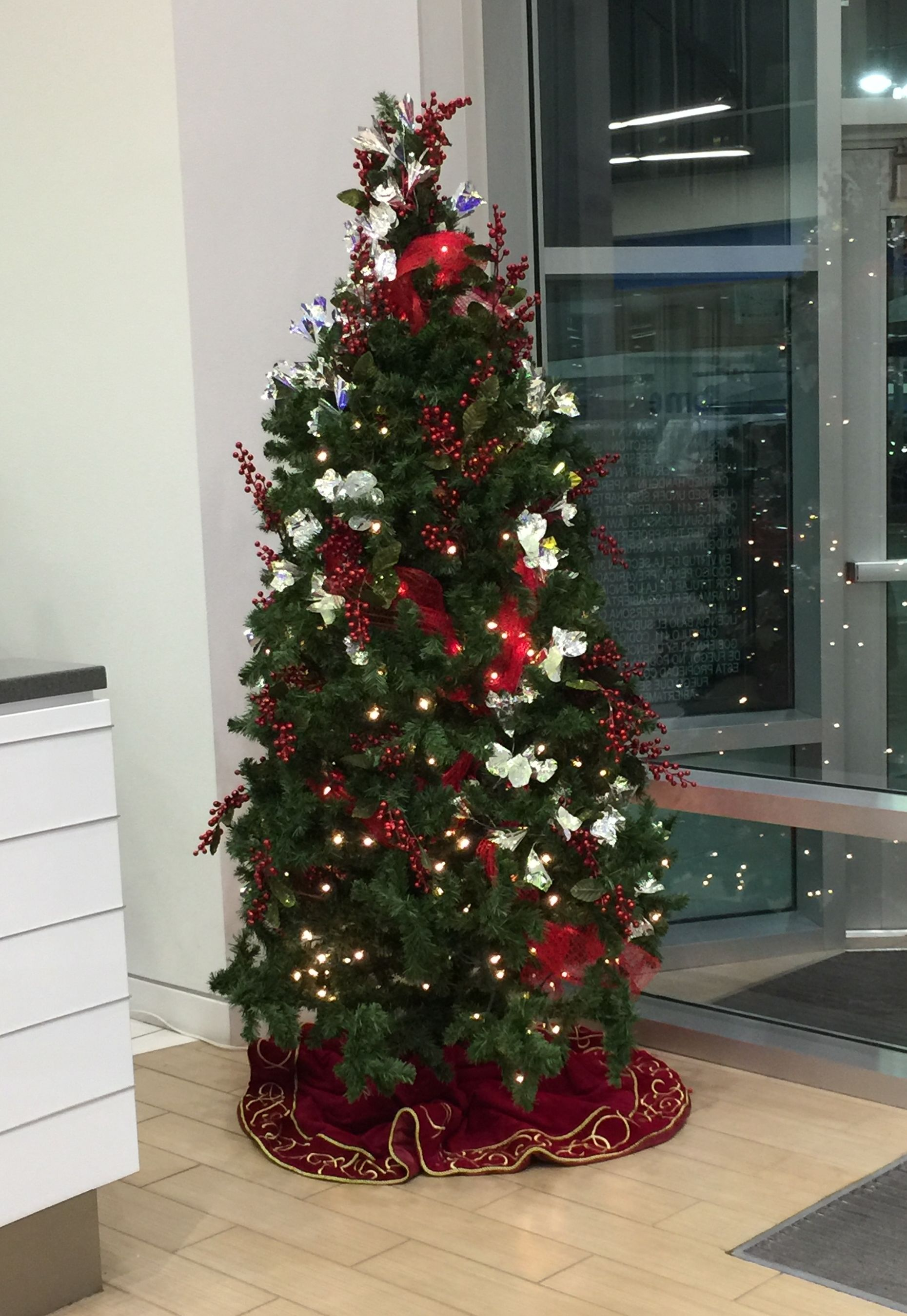 Best Rental Christmas Tree Decorated 12 Ft This Month