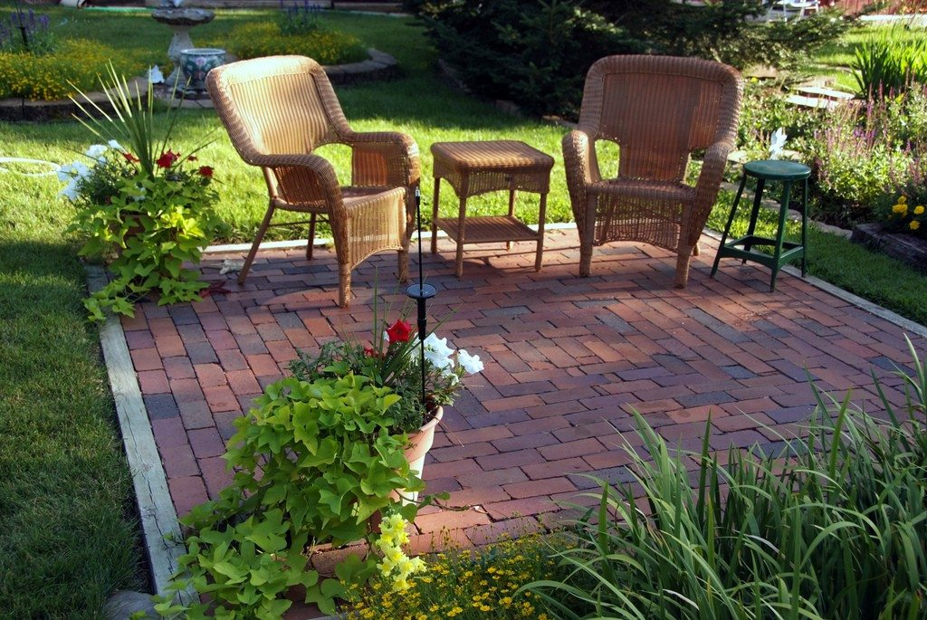 Best Backyard Makeovers 10 Backyard Landscaping Ideas This Month