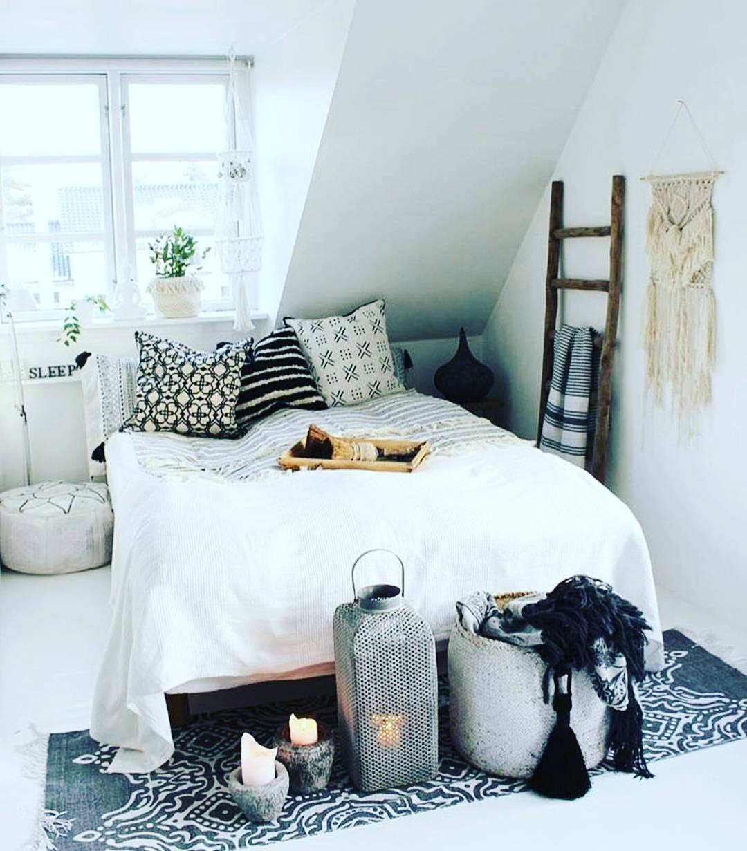 Best 21 Bohemian Chic Bedroom Decor Ideas Royal Furnish This Month