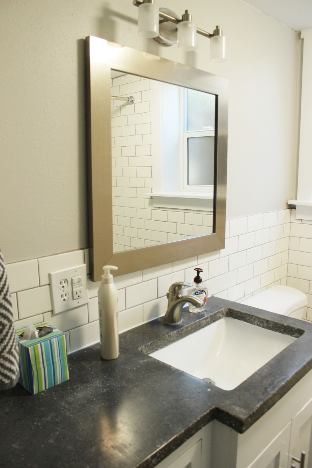 Best How To Decorate A Bathroom Without Clutter This Month