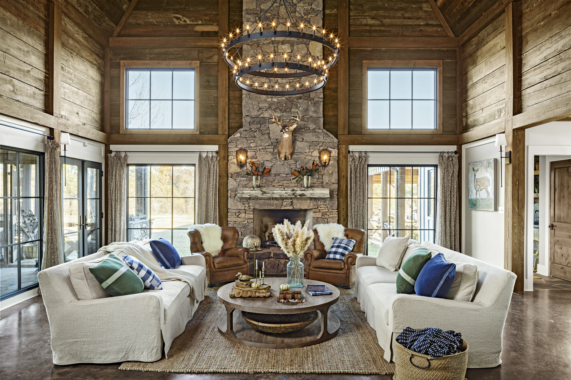 Best Modern Mississippi Barn Farmhouse Decorating Ideas This Month