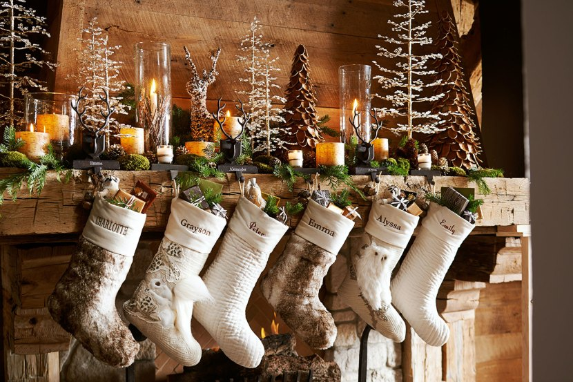 Best Professional Tips For Decorating Your Holiday Mantel This Month