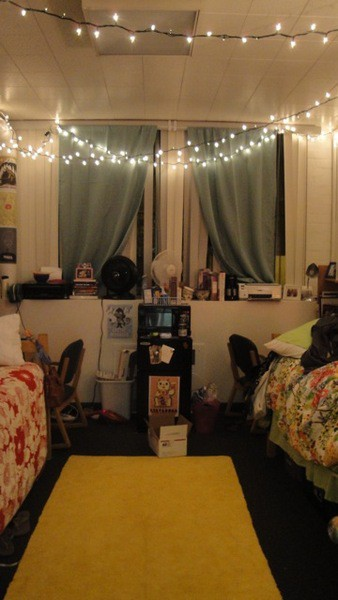 Best The Old Post Road How To Decorate A Dorm Room This Month