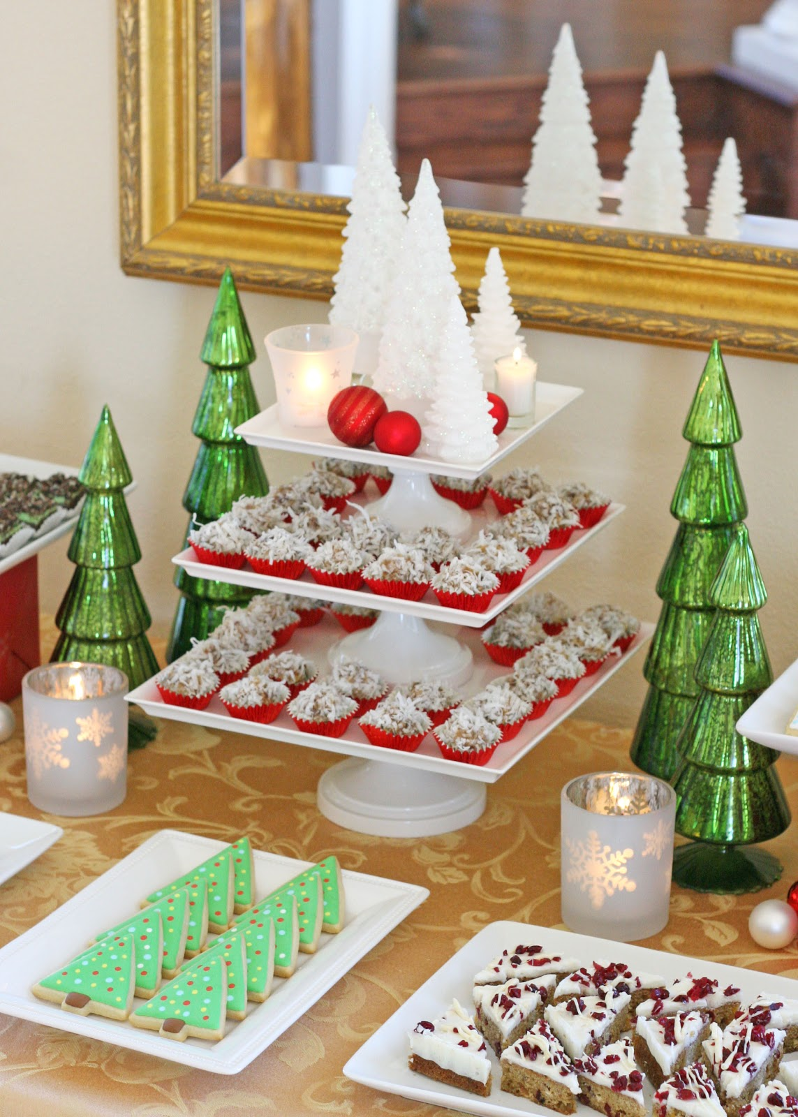 Best Classic Holiday Dessert Table Glorious Treats This Month