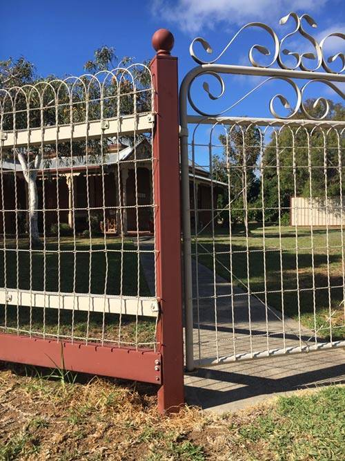 Best Premium Grade Decorative Loop Top Fence 120 Roll X 4 Ft This Month
