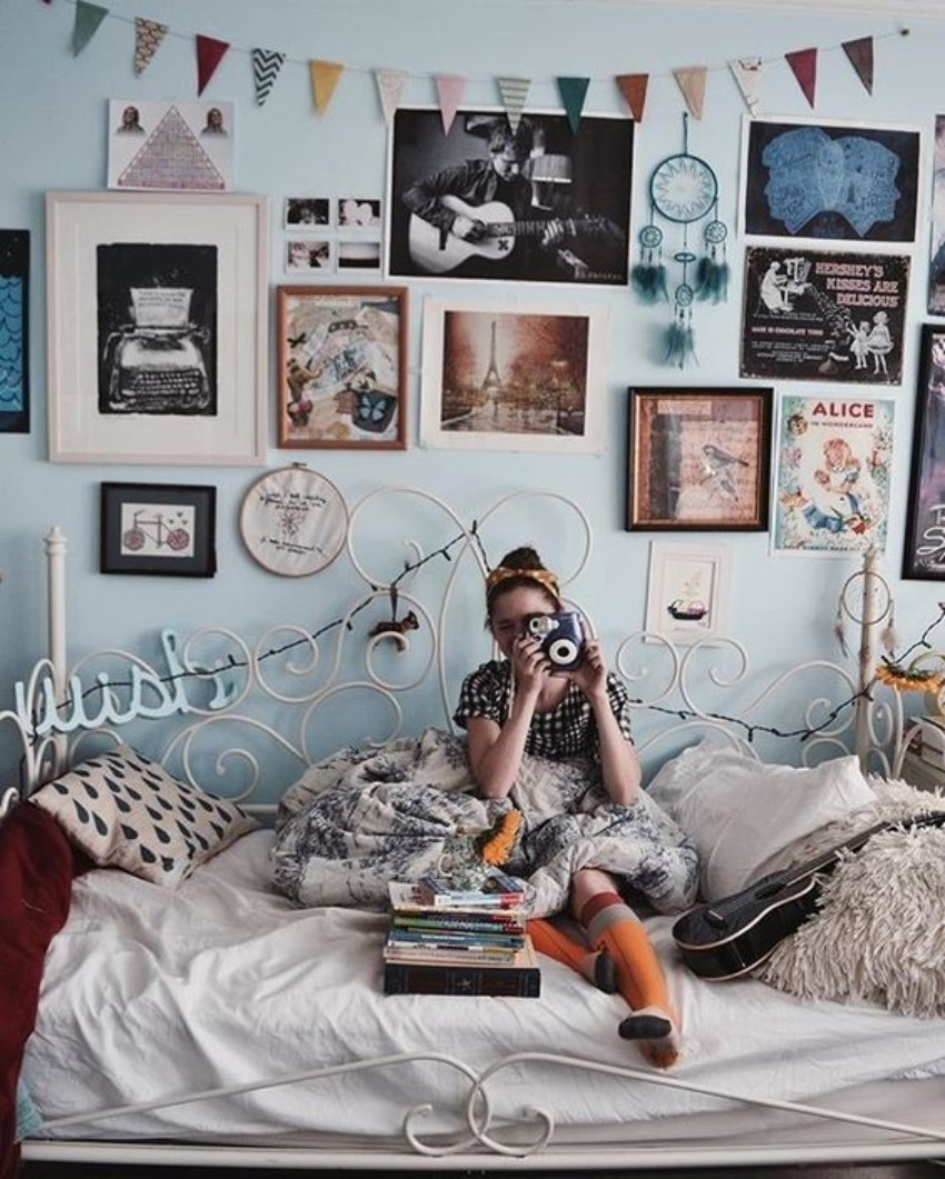 Best What Is Hot On Pinterest 5 Vintage Bedroom Décor This Month