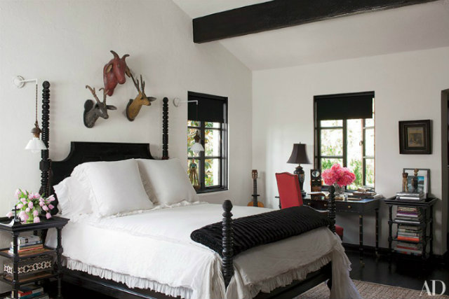 Best 7 Bedside Table Decor Ideas From Hollywood Walk Of Fame Stars This Month