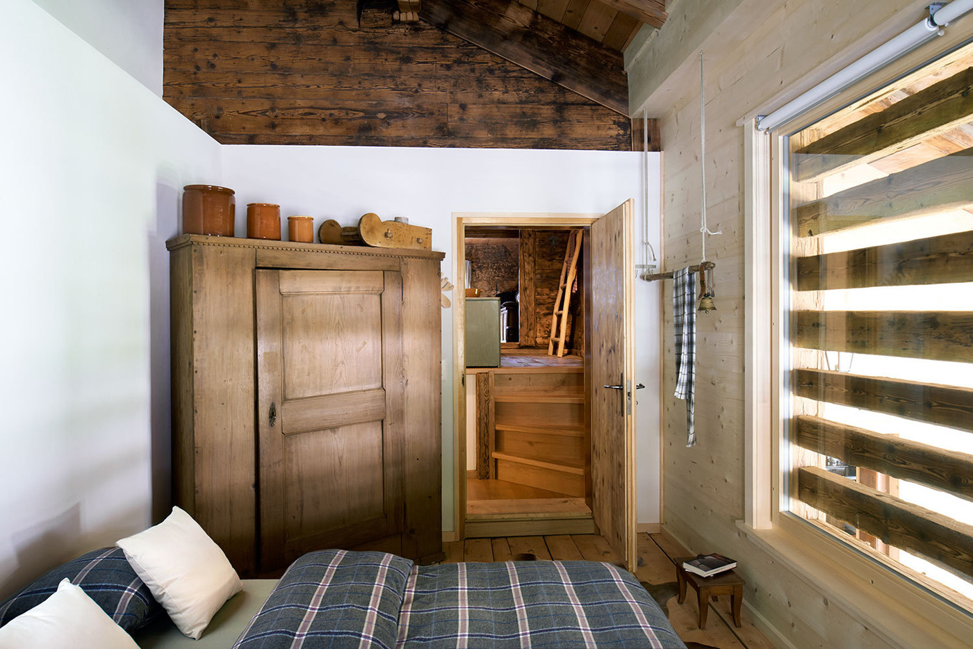Best Rustic Closet Photos Design Ideas Remodel And Decor This Month