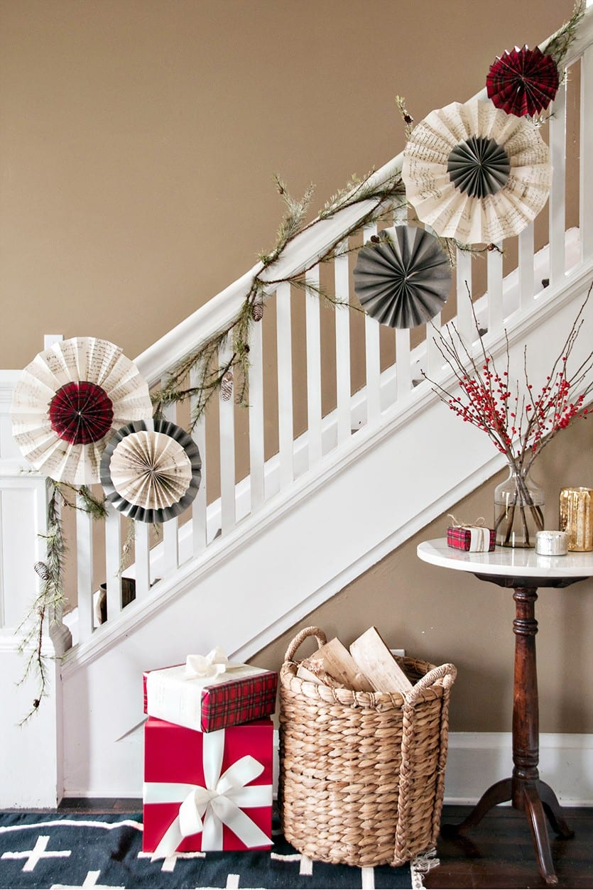 Best Holiday Decorating Mixing Patterns How To Decorate This Month
