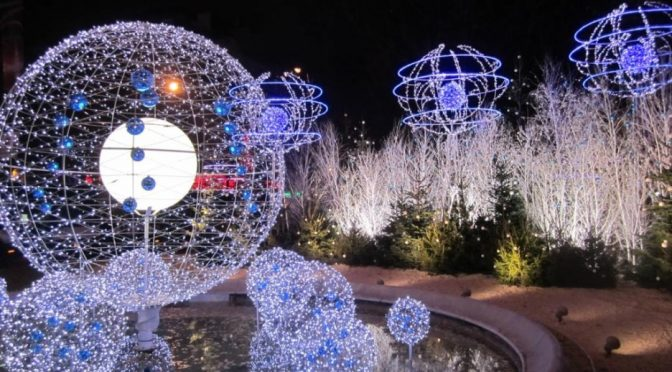 Best 30 Marvelous Disney Christmas Decoration Ideas Interior This Month