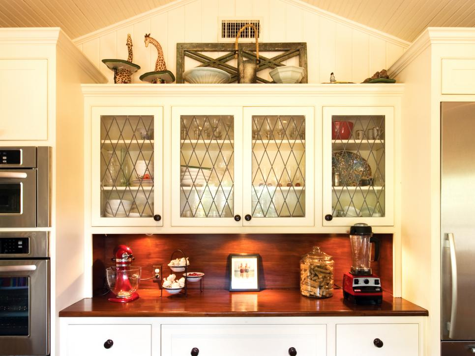 Best 10 Ideas For Decorating Above Kitchen Cabinets Hgtv This Month