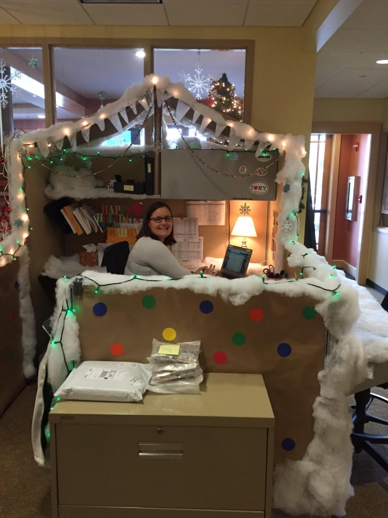Best Roost Announces Winners Of Cubicle Decorating Contest This Month