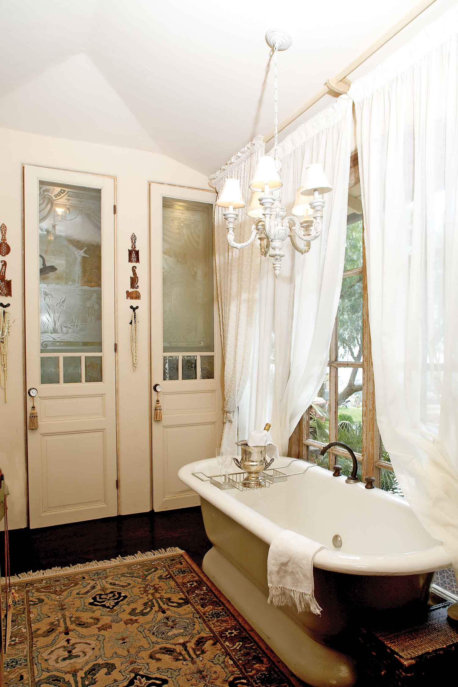 Best Amazing Set Of Vintage Style Bathroom Renovation Ideas This Month