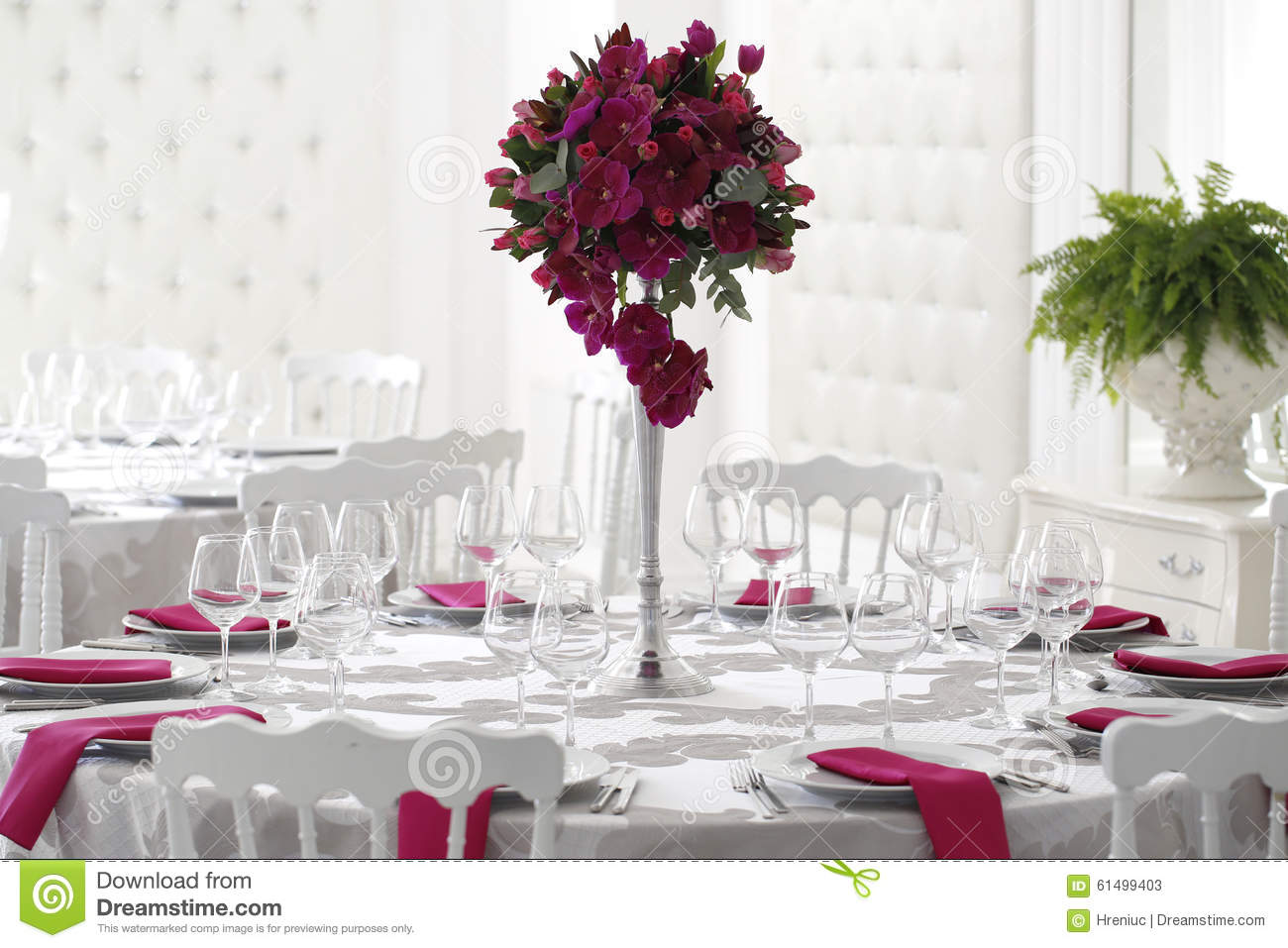 Best Beautiful Flower Bouquet Decoration On Wedding Table Stock This Month