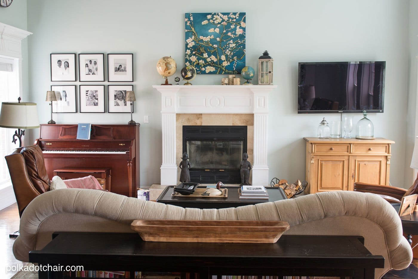 Best Ways To Update Your Living Room Without Breaking The Bank This Month