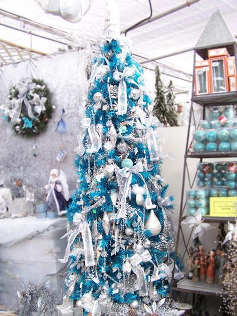 Best Blue Christmas Tree Decorating Ideas Adding Cool Elegance This Month