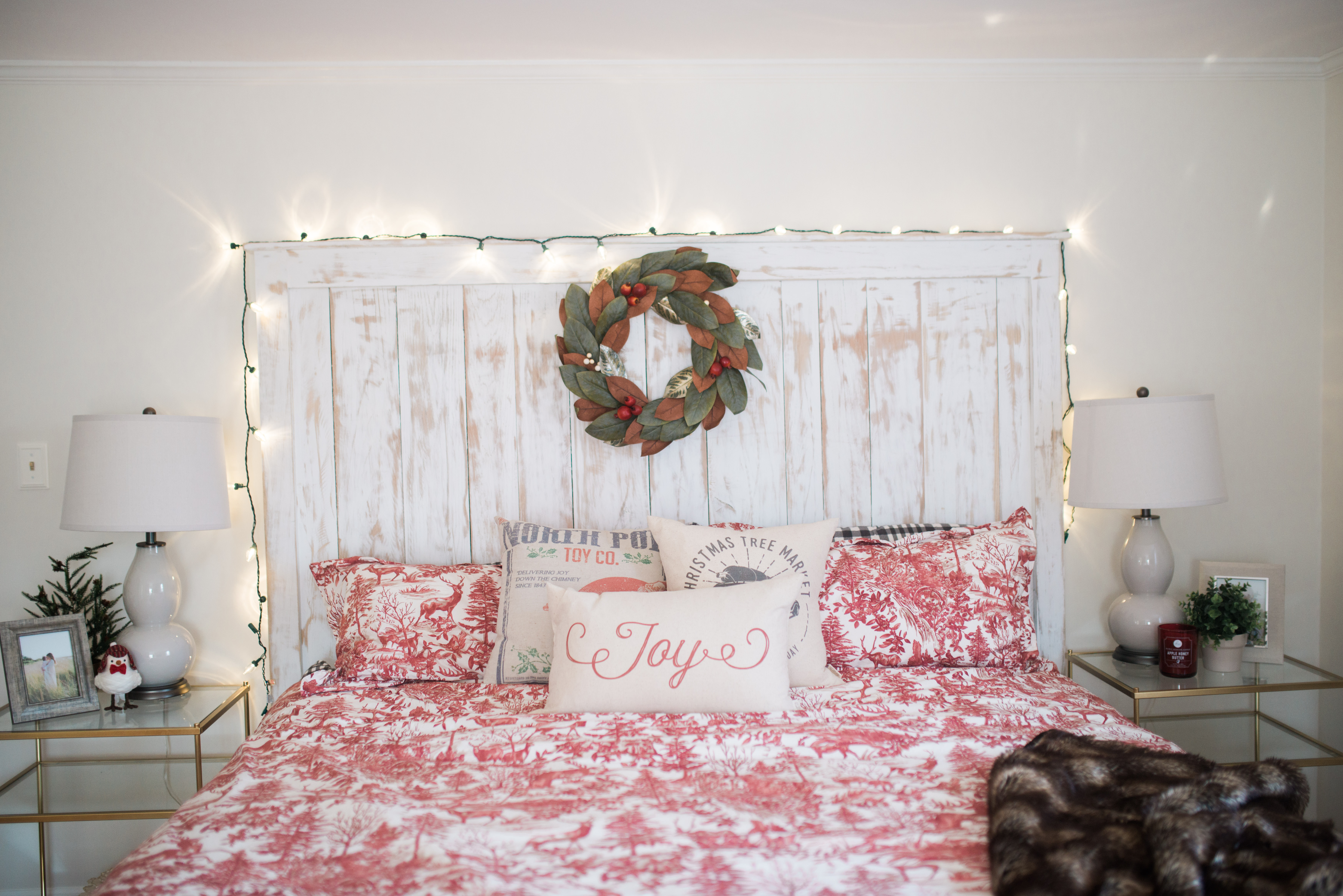 Best Our Bedroom Holiday Decor Bedroom Wall Decorations This Month