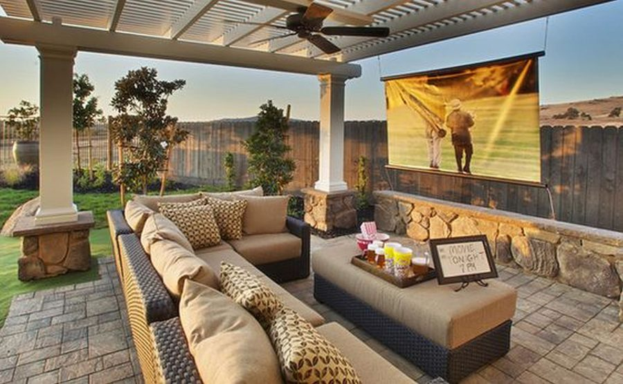 Best Outdoor Summer Decor Beautifying Your Space This Month