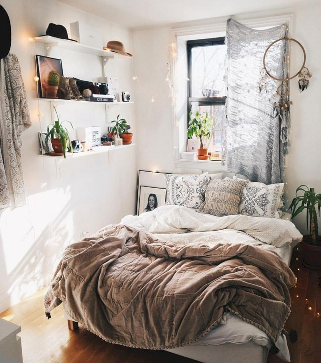 Best 10 Best And Modern Bedroom Decorating For Your Cozy This Month