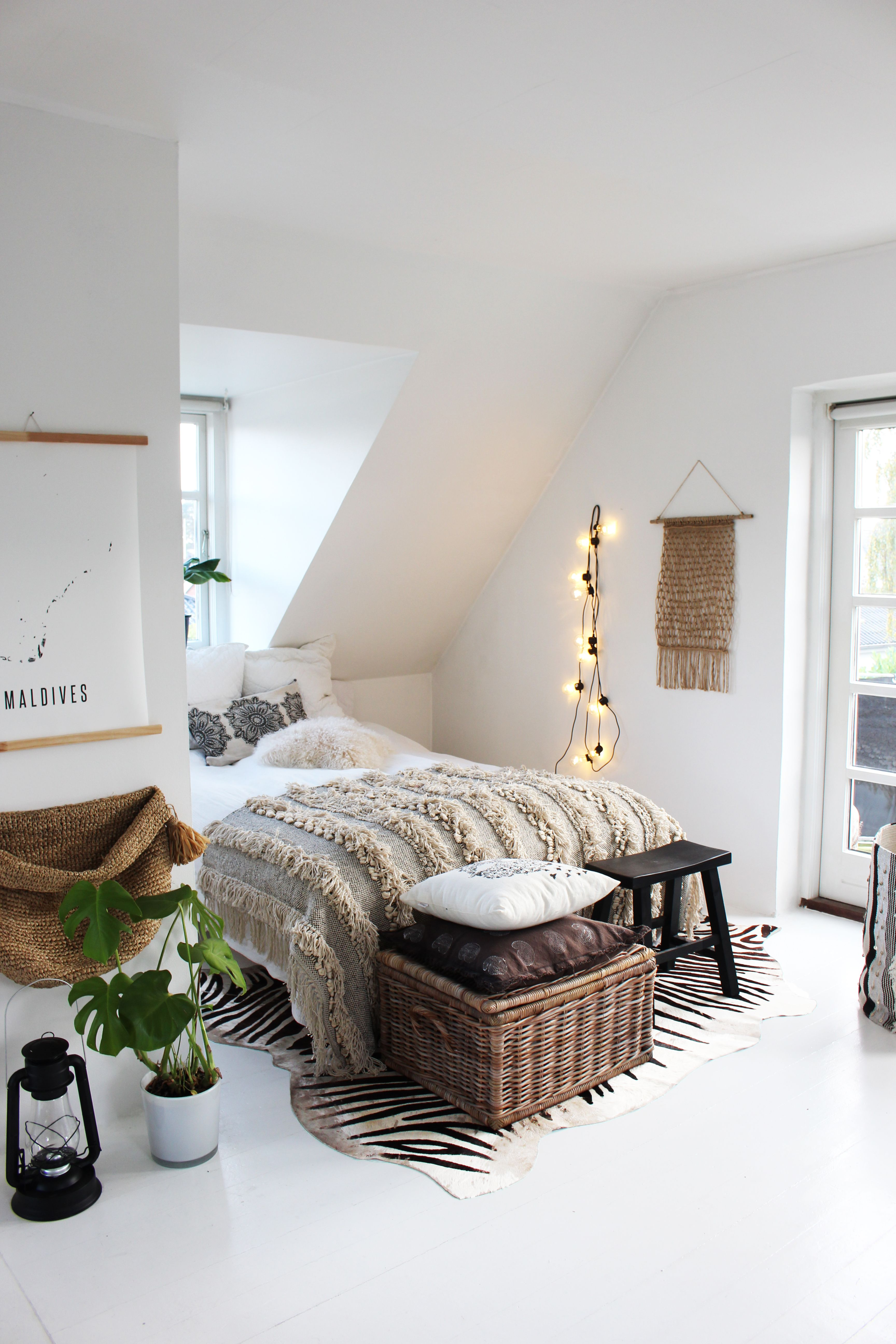 Best House Of Instagram B E D R O O M S Romantic Bedroom This Month