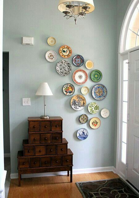 Best 12 Alternative Decor Ideas To Hang On A Gallery Wall This Month