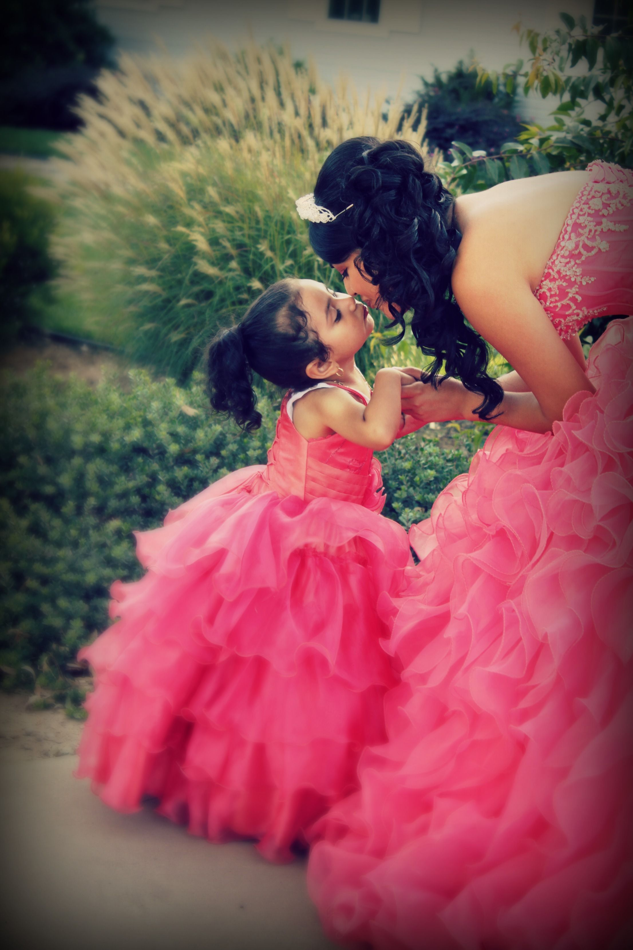 Best Beautiful Quinceanera With Little Sister This Month
