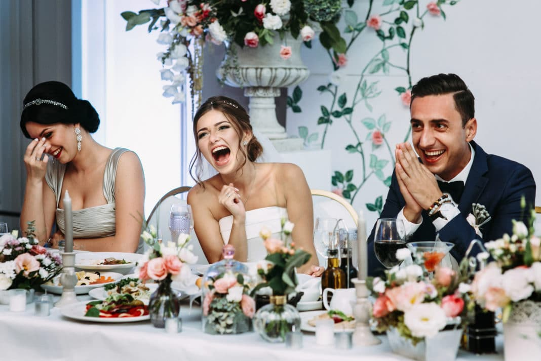 Best 10 Wedding Reception Decoration Ideas On A Budget This Month