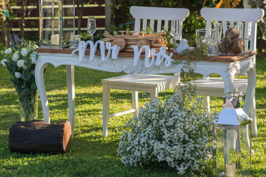 Best 15 Cheap Wedding Ceremony Decoration Ideas On A Budget This Month