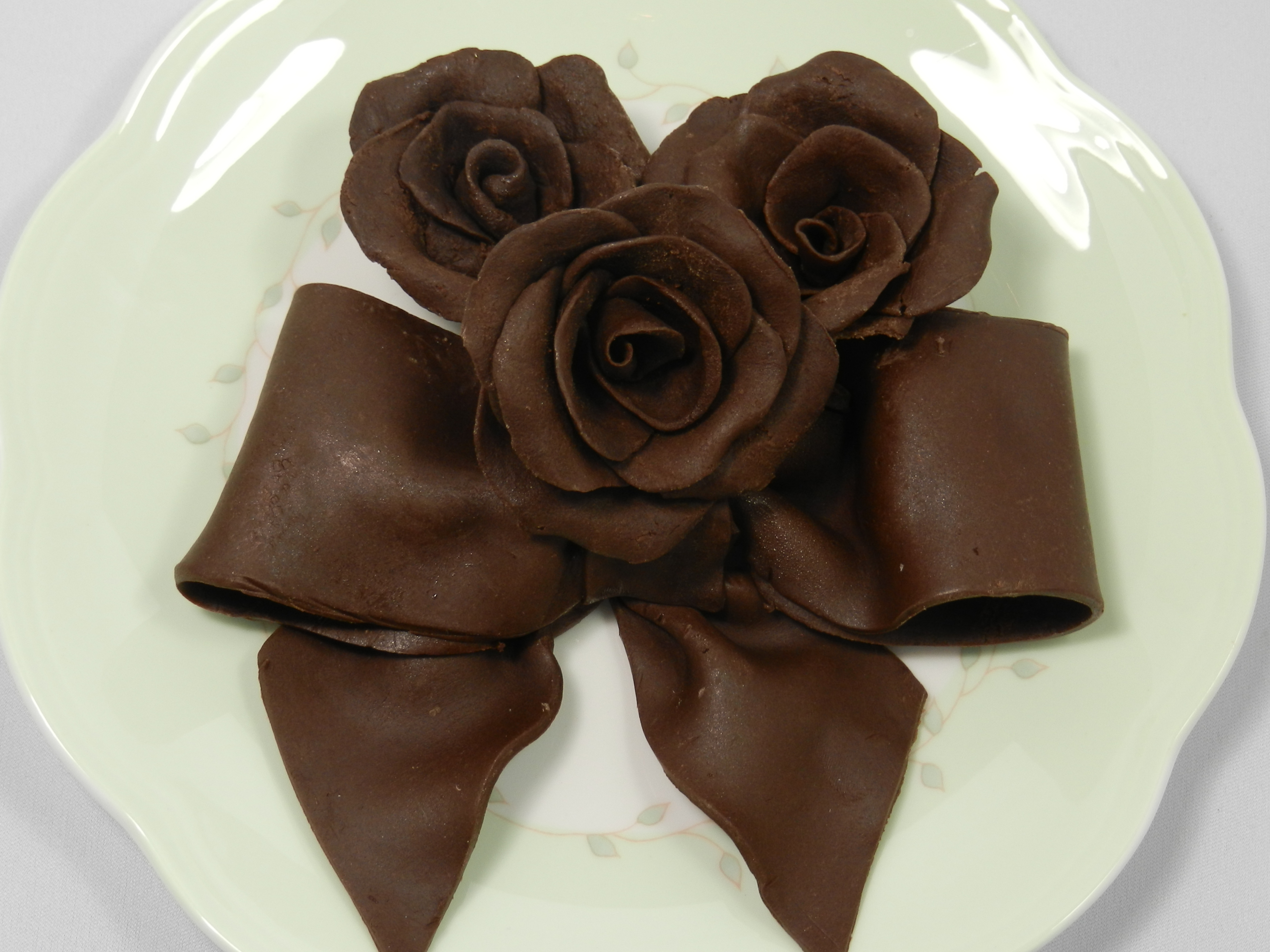 Best Chocolate Roses Bows And Other Chocolate Decorations This Month