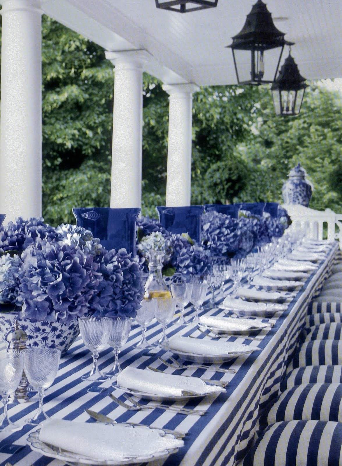 Best Decorating With Blue White Ft Carolyne Roehm Old This Month