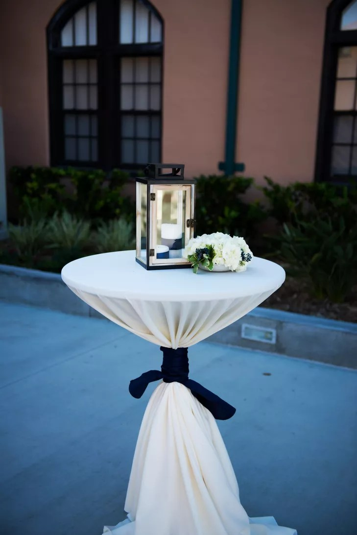 Best Cocktail Table Lantern And Floral Decor This Month