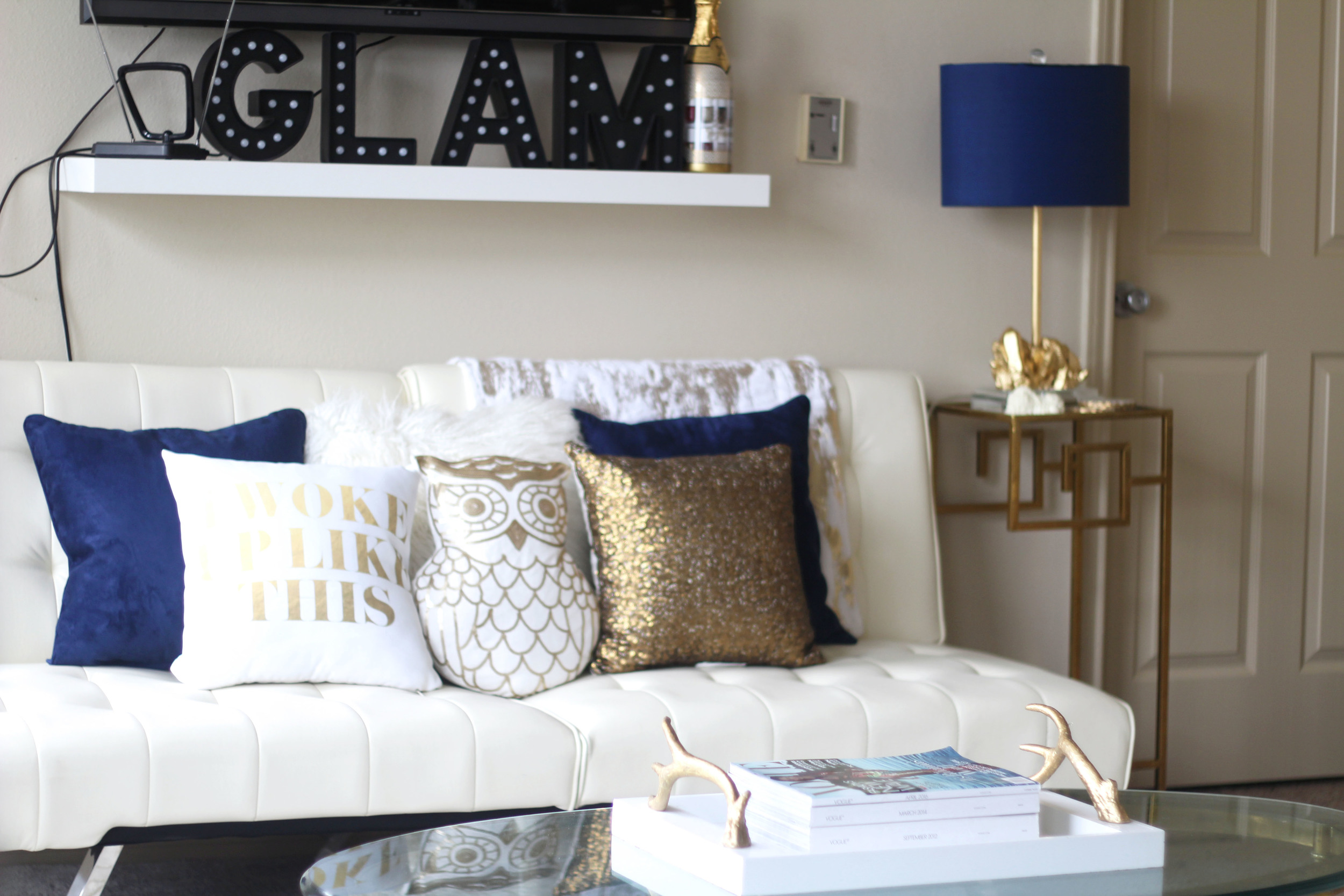 Best 6 Easy Ways To Update Accent Decor Royal Blue Gold This Month