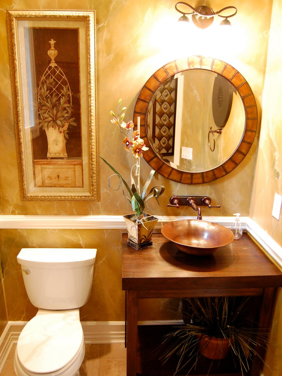 Best 25 Tips For Decorating A Small Bathroom Bath Crashers Diy This Month