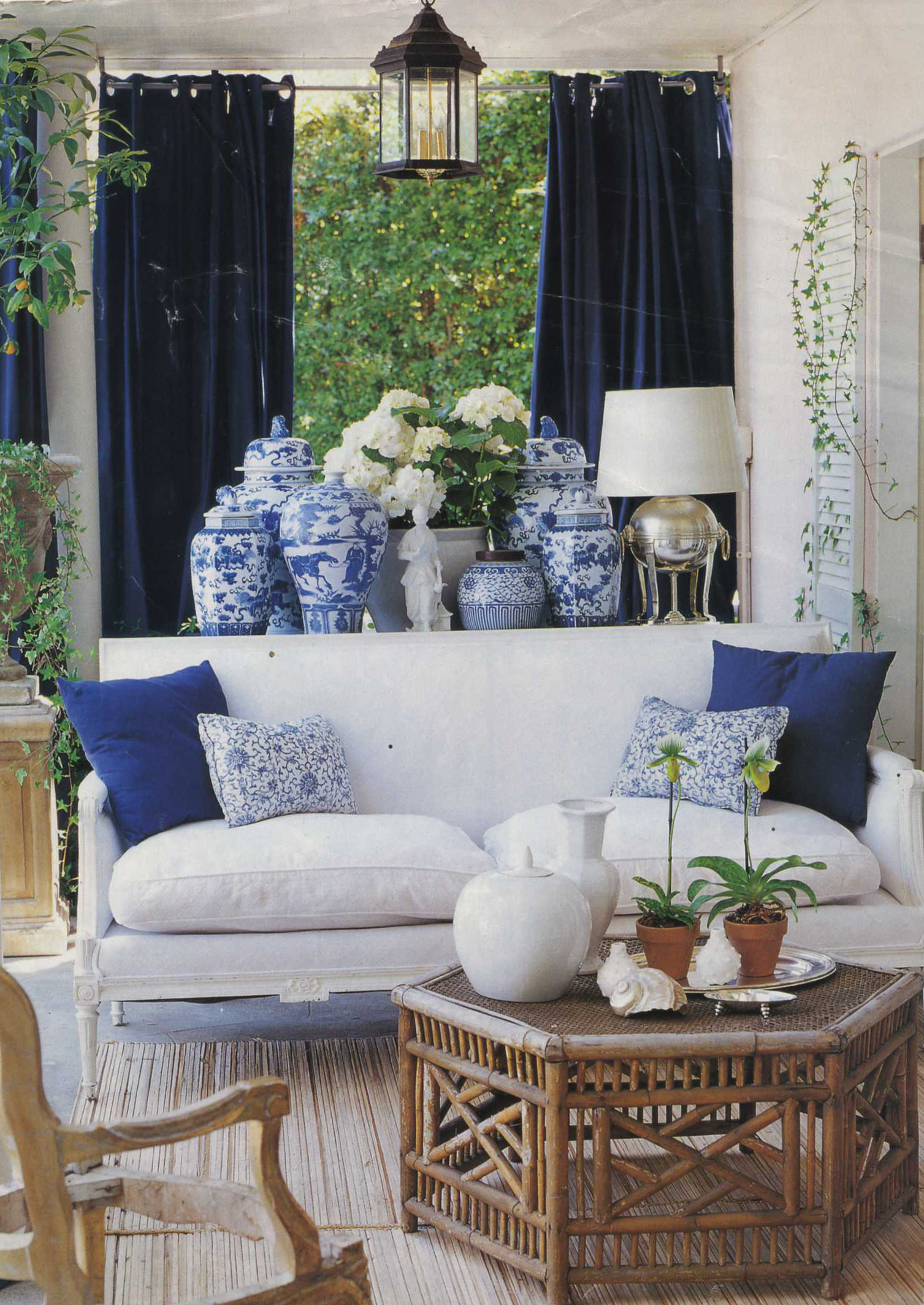 Best Chinoiserie Chic The History Of Blue And White Porcelain This Month