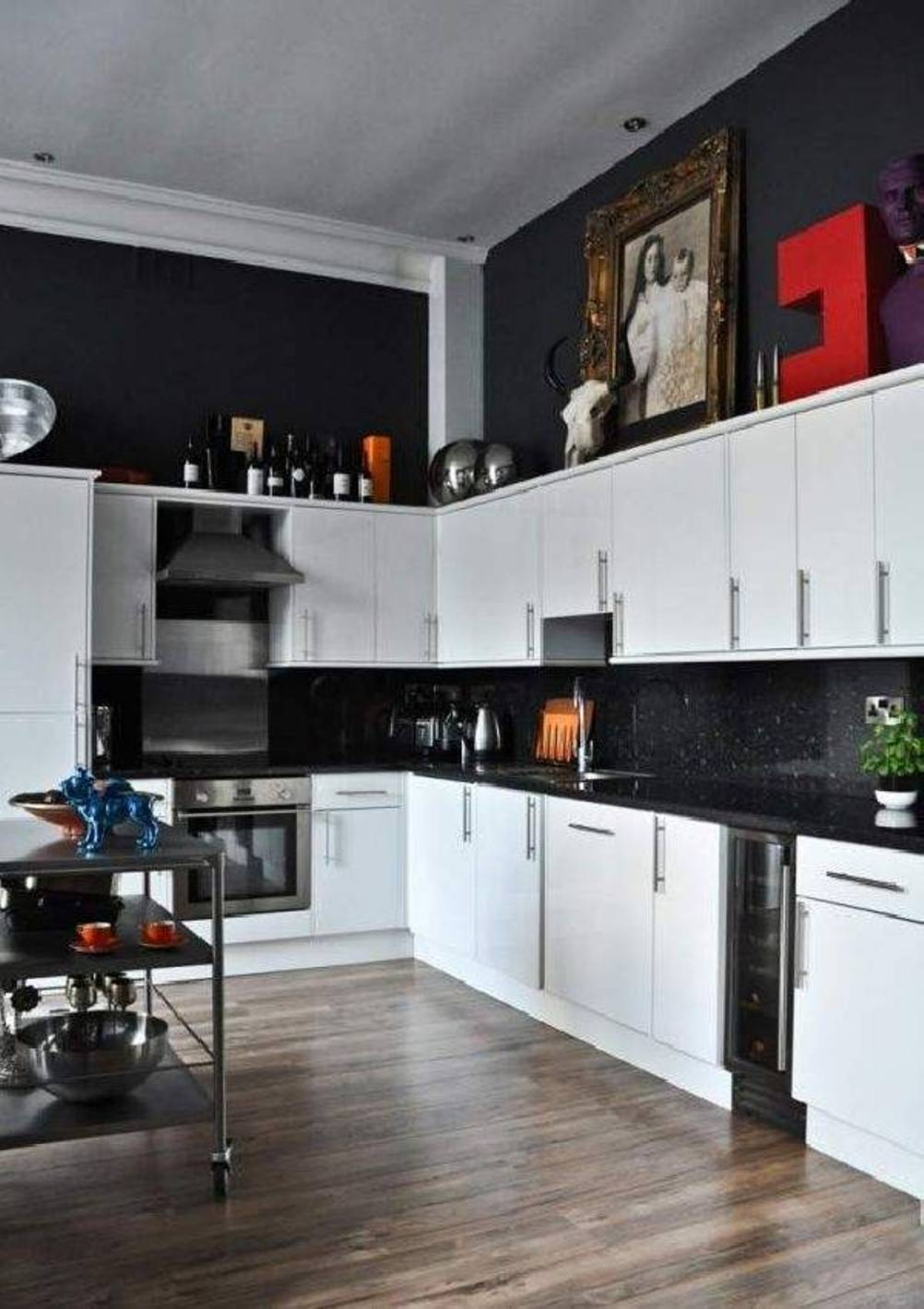 Best Black And White Kitchen Decor To Feed Exclusive And Modern This Month